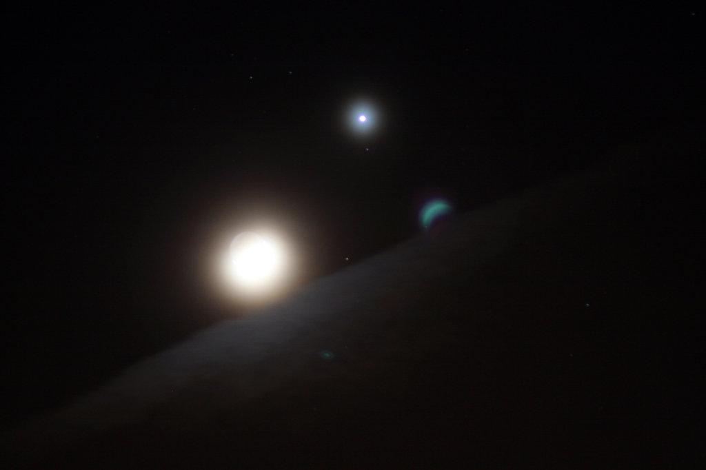 Sichelmond mit Sternen 7681