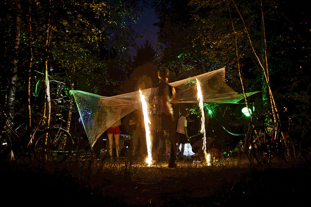 Outdoorparty mit Feuershow  2537.1